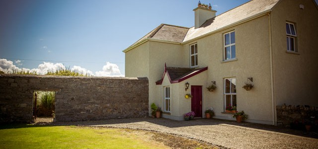 Top 5 Reasons for Staying in an Irish Farmhouse B&B